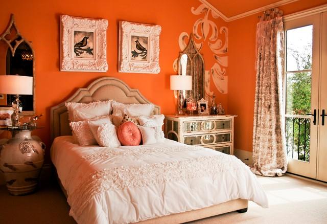 """Фото: классический интерьер и """"сочные"""" апельсиновые краски"""