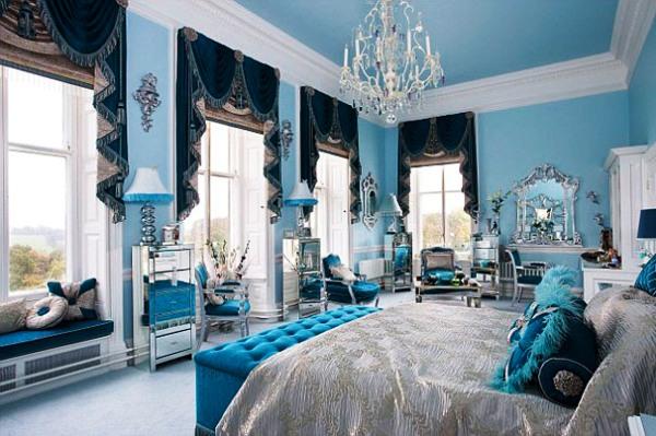 Фото: стены в голубых тонах смотрятся весьма эффектно