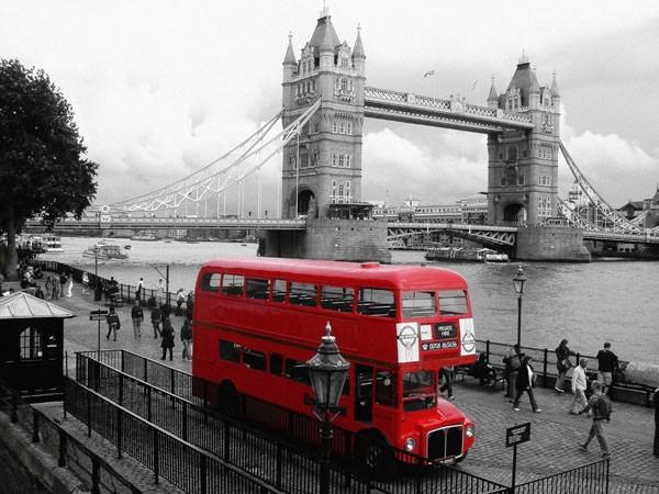 Фото: как никогда актуальным является использование фотообоев с изображениями городов