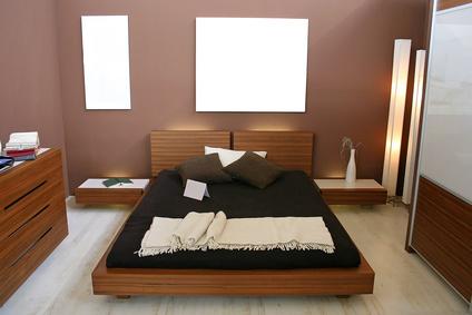 модные обои для спальни 2015 темно коричневые