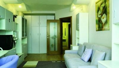 обои для интерьера узкой комнаты