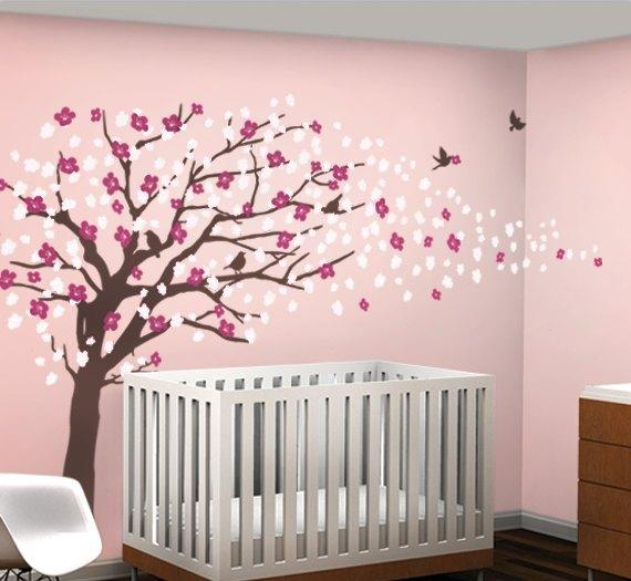 сакура на стене детской комнаты