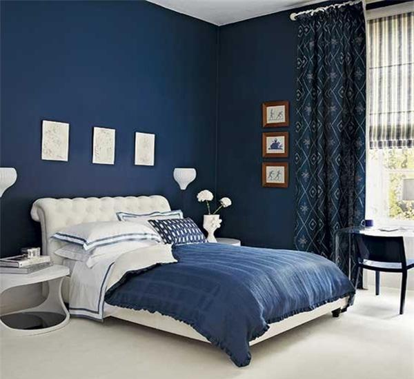 Фото: синий интерьер выглядит изысканно и роскошно