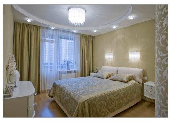Маленькой спальне нужно много источников света