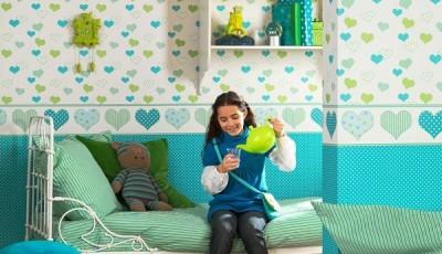 Сочетание обоев в детской комнате сердечки