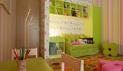 Сочетание обоев в детской комнате в полоску