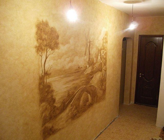 Жидкие обои с росписью на стене
