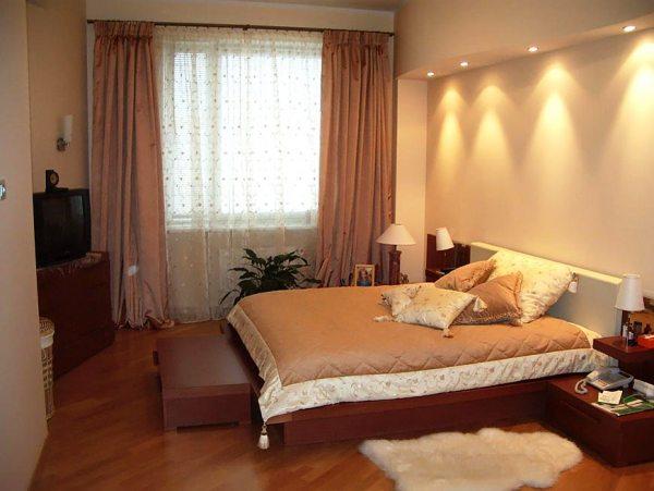 При грамотном подборе мебели и штор этот оттенок сделает Вашу комнату уютной и спокойной