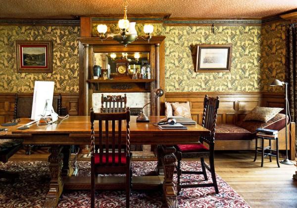 История создания обоев насчитывает много веков. На фото: вот такой дизайн имели комнаты в Викторианскую эпоху в Англии