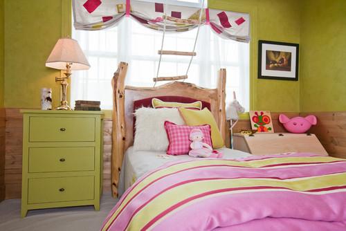 В детской спальне вместе  с белым и розовым