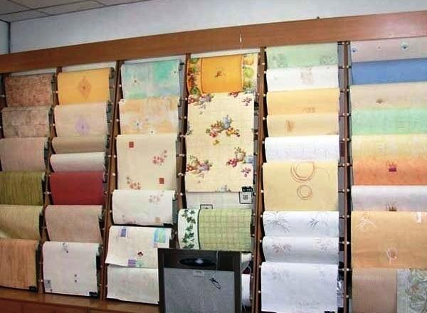 Сегодня практически в любом специализированном магазине Вы сможете найти большой выбор недорогих бумажных обоев