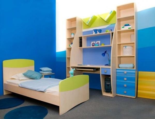Фото: вариант с применением нескольких градаций синего цвета, от темного до светло-голубого