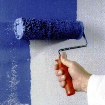 Покраска дает возможность достаточно часто менять дизайн интерьера без существенных финансовых затрат