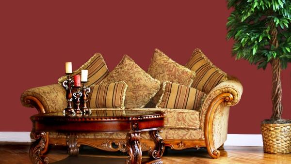 Фото: лучшим решением станет использование светлой мебели и штор