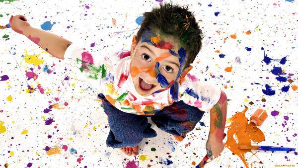 Мальчик и цвета