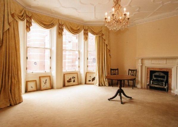 Красивые обои для зала - залог привлекательности всего помещения