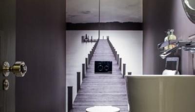 Фотообои в туалете пирс