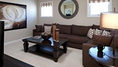 какие обои выбрать к коричневой мебели