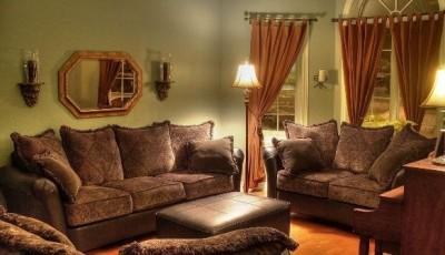коричневая мебель какие обои выбрать