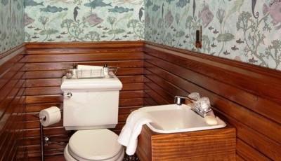 моющие обои в туалете