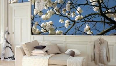 цветущая ветка фотообои гостиной