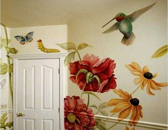 Нарисованные цветы на стене дома фото