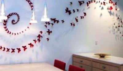 сделать бабочки на стене комнаты