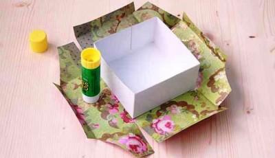 делаем подарочную коробку из обоев