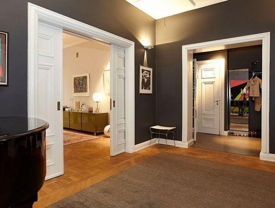 Интерьер коридора светлые темные двери