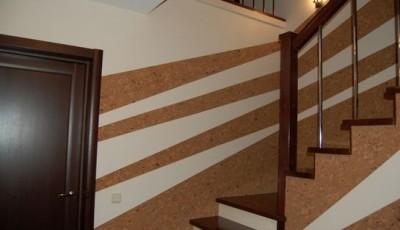 отделка коридора пробковыми панелями