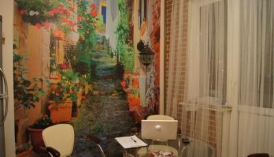Фотообои в кухне над столом картина с цветами
