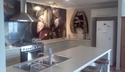 фотообои для кухни камни разных цветов