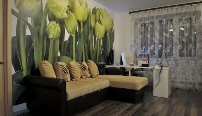 фотообои зеленые тюльпаны в зале