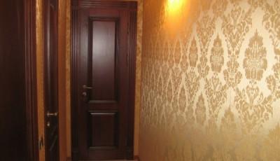тканевые обои в коридоре