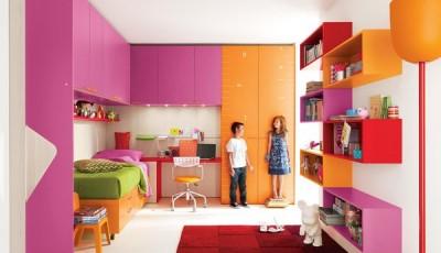 Обои для детской для разнополых детей с цветной мебелью