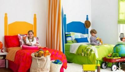 Обои в детскую комнату для разнополых детей с разными кроватками