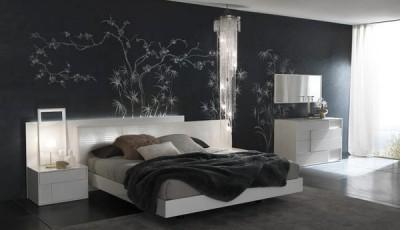 Современные черные обои в интерьере спальни
