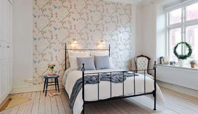 Современные обои с цветами вид в комнате