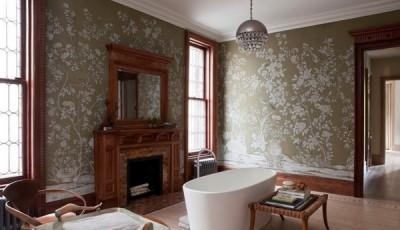 Современные обои в классическом интерьере комнаты