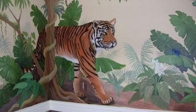 Угловые фотообои на две стены с тигром