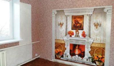 Фотообои с классическим камином на стене розового цвета