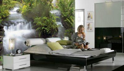 Фотообои водопад в современной спальне