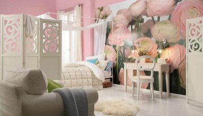 Красивые фотообои с розовыми пионами в спальне