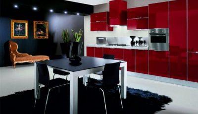 Красная кухня и черные стены
