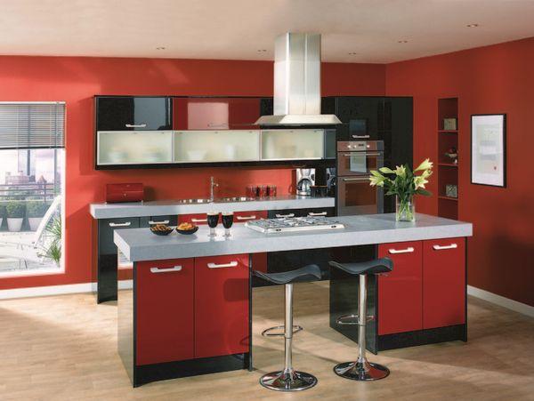 Красные обои для кухни красного цвета