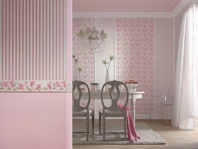 Сочетание розовых обоев для кухни