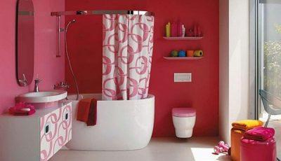 Красные жидкие обои для ванной