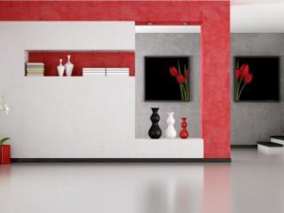 Красные цветы на обоях: привлекательный интерьер