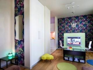 Комбинация обоев для зала (гостиной) – фото и интерьер